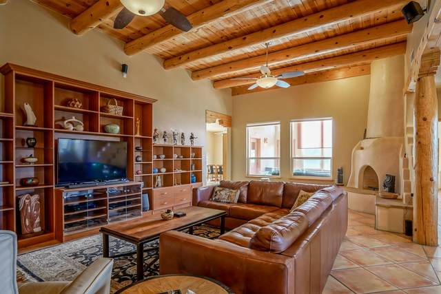106 Thanes Way, Corrales, NM 87048 (MLS #988532) :: Sandi Pressley Team
