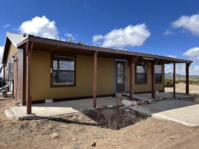 672 Pinon Springs Road, Magdalena, NM 87825 (MLS #988552) :: Sandi Pressley Team