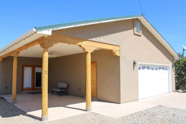2 Hilltop Road, Edgewood, NM 87015 (MLS #988650) :: Keller Williams Realty