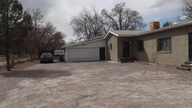 2782 Highway47, Los Lunas, NM 87031 (MLS #988669) :: The Buchman Group