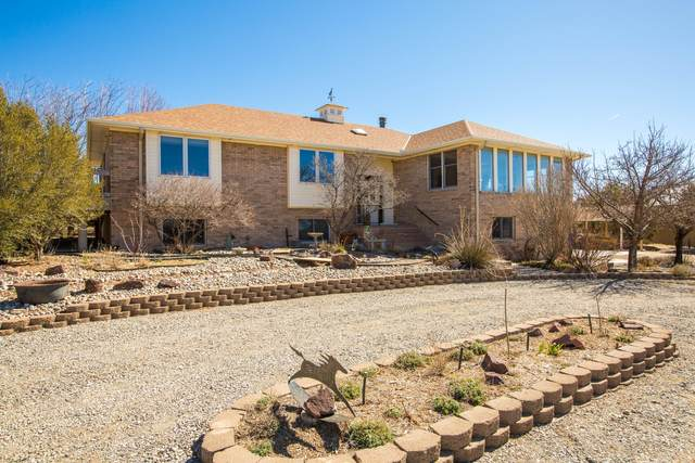 143 Square H Road, Edgewood, NM 87015 (MLS #988681) :: The Buchman Group