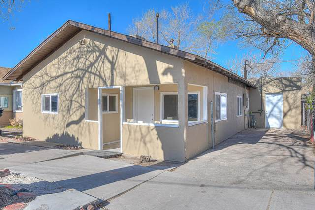 517 7TH Street SW, Albuquerque, NM 87102 (MLS #988833) :: Berkshire Hathaway HomeServices Santa Fe Real Estate