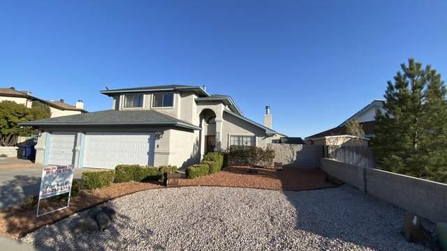 3304 Vista Del Sur Street NW, Albuquerque, NM 87120 (MLS #988841) :: Keller Williams Realty