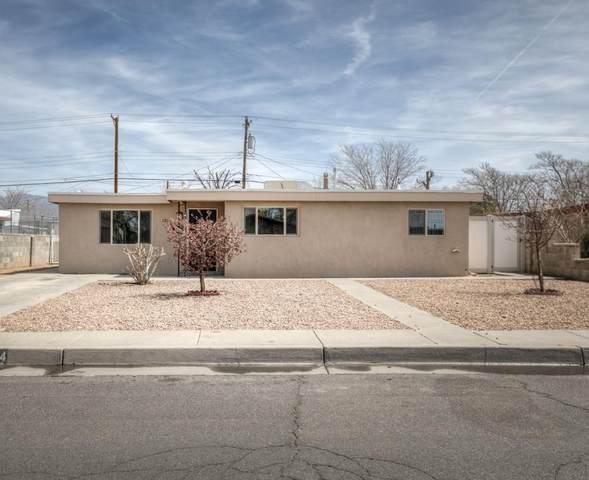 2824 Hermosa Drive NE, Albuquerque, NM 87110 (MLS #988912) :: Keller Williams Realty