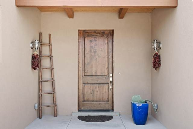 2716 Rio Encantado Court NW, Albuquerque, NM 87107 (MLS #988951) :: The Buchman Group