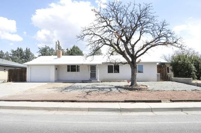2906 San Pedro Drive NE, Albuquerque, NM 87110 (MLS #989025) :: Keller Williams Realty