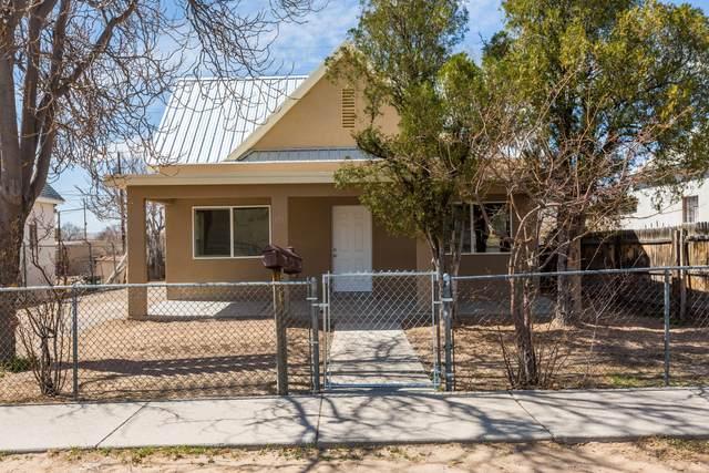 721 Edith Boulevard SE, Albuquerque, NM 87102 (MLS #989030) :: Keller Williams Realty
