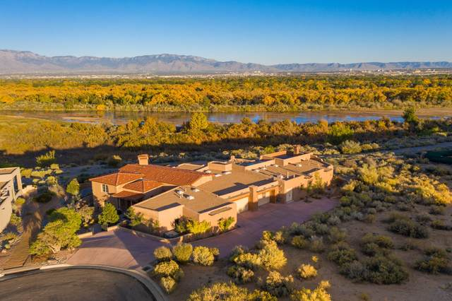 5000 Grey Hawk Court NW, Albuquerque, NM 87120 (MLS #989045) :: The Buchman Group
