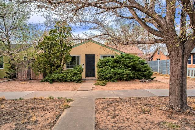 319 Vassar Drive SE, Albuquerque, NM 87106 (MLS #989068) :: The Buchman Group