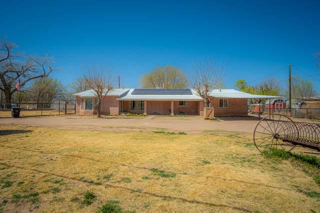 1213 N Gabaldon Road, Belen, NM 87002 (MLS #989200) :: The Buchman Group