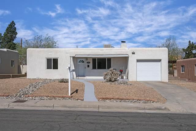1415 Manzano Street NE, Albuquerque, NM 87110 (MLS #989291) :: The Buchman Group