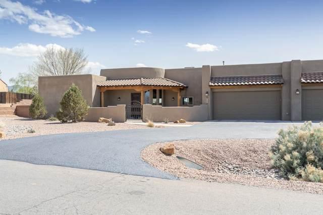 9124 Oakland Avenue NE, Albuquerque, NM 87122 (MLS #989338) :: The Buchman Group