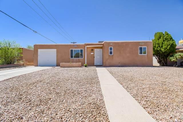 3321 Cuervo Drive NE, Albuquerque, NM 87110 (MLS #989348) :: Keller Williams Realty