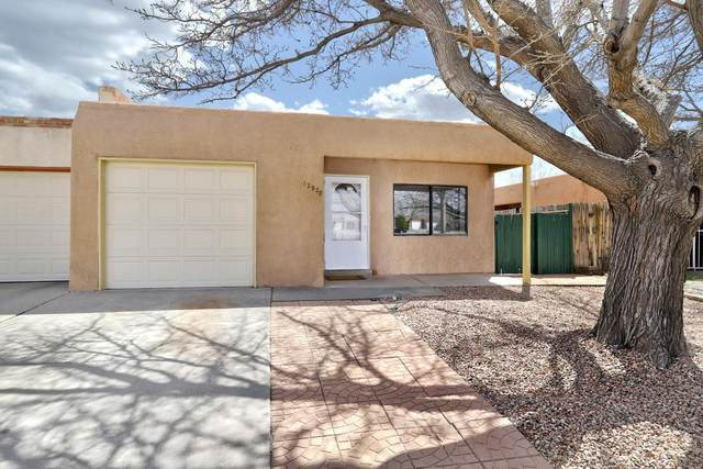 12928 Carrie Place SE, Albuquerque, NM 87123 (MLS #989374) :: Keller Williams Realty