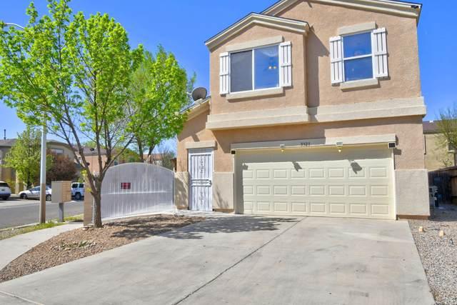 5323 Los Abuelos Court SW, Albuquerque, NM 87105 (MLS #989387) :: Keller Williams Realty