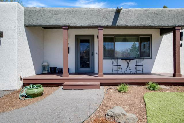 3615 La Hacienda Place NE, Albuquerque, NM 87110 (MLS #989447) :: Keller Williams Realty