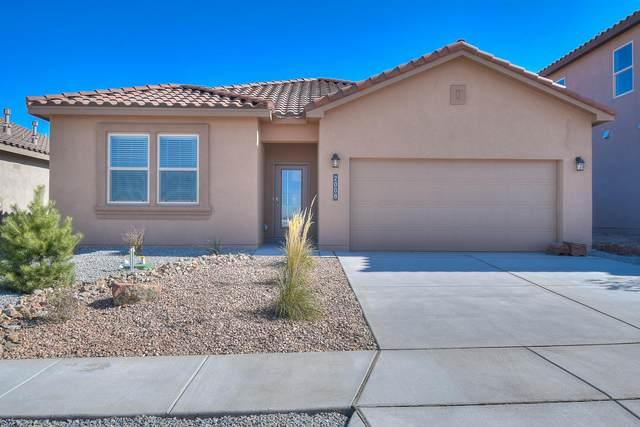 1912 Hubbard Street SE, Albuquerque, NM 87123 (MLS #989466) :: Keller Williams Realty