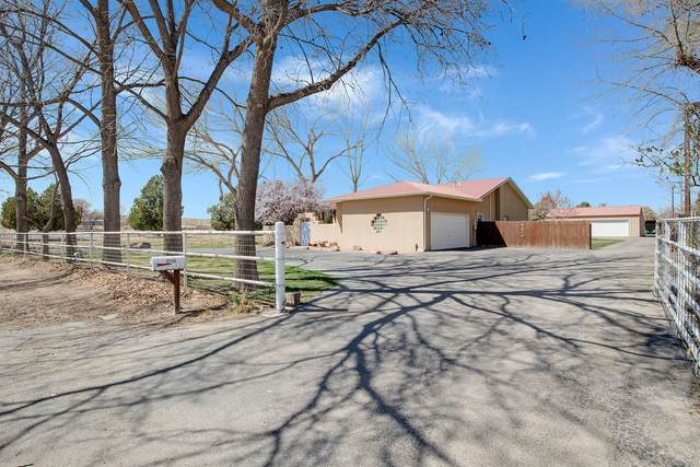 2719 Chapulin Road SW, Albuquerque, NM 87105 (MLS #989475) :: Campbell & Campbell Real Estate Services