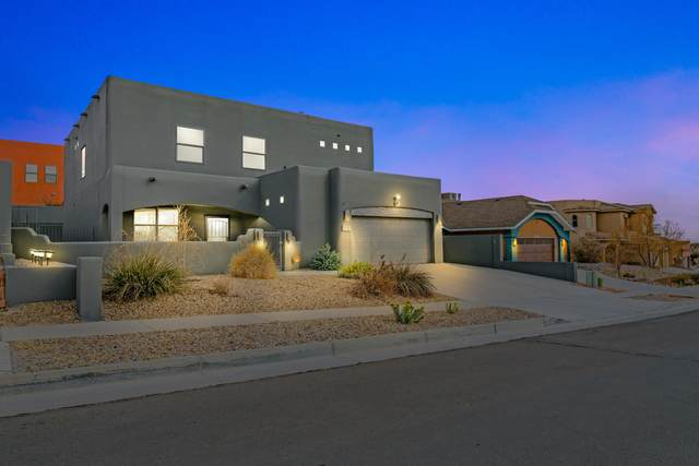 9912 Bellevue Street NW, Albuquerque, NM 87114 (MLS #989482) :: The Buchman Group