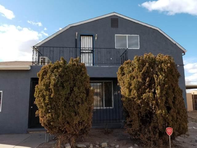 505 Dakota Street SE, Albuquerque, NM 87108 (MLS #989490) :: Berkshire Hathaway HomeServices Santa Fe Real Estate