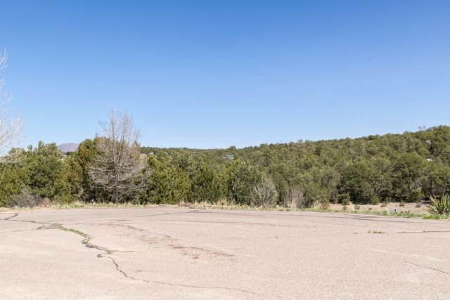 14 Tablazon Court, Tijeras, NM 87059 (MLS #989641) :: Keller Williams Realty