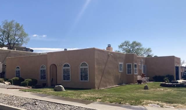 1145 Turner Drive NE, Albuquerque, NM 87123 (MLS #989654) :: Keller Williams Realty