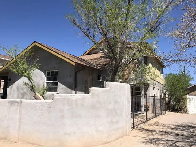 124 65TH Street SW, Albuquerque, NM 87121 (MLS #989675) :: The Buchman Group