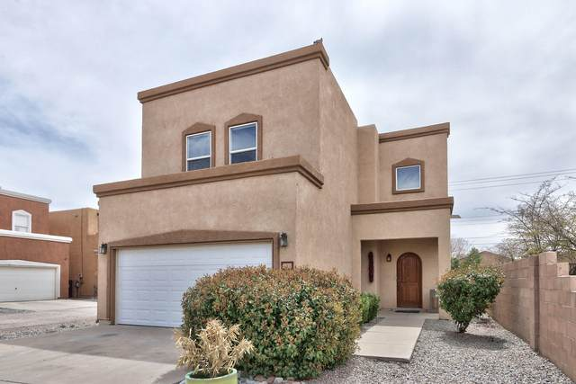 3701 Candelarias Lane NW, Albuquerque, NM 87107 (MLS #989693) :: The Buchman Group