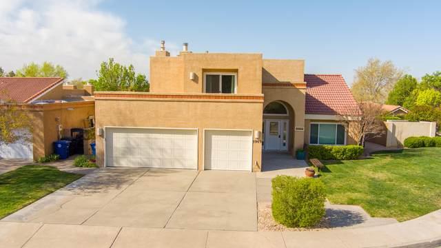 5909 Canyon Crest Place NE, Albuquerque, NM 87111 (MLS #989707) :: The Buchman Group