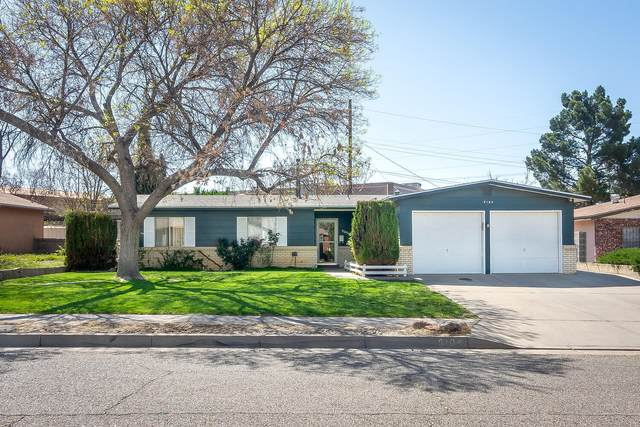 9104 Lagrima De Oro Road NE, Albuquerque, NM 87111 (MLS #989727) :: The Buchman Group