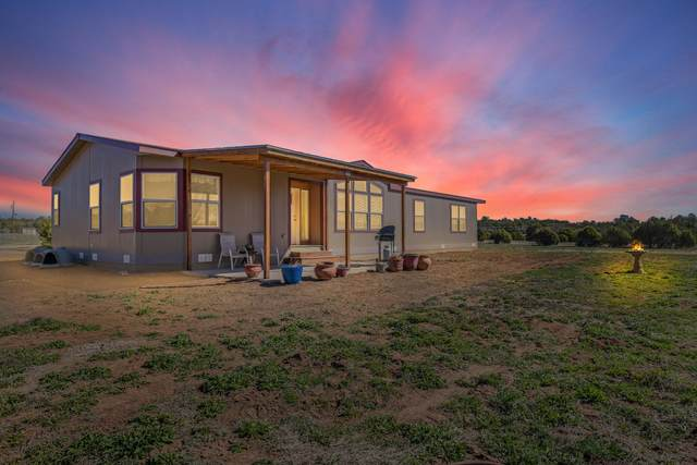 32 Sierra Farm Road, Tijeras, NM 87059 (MLS #989762) :: Campbell & Campbell Real Estate Services