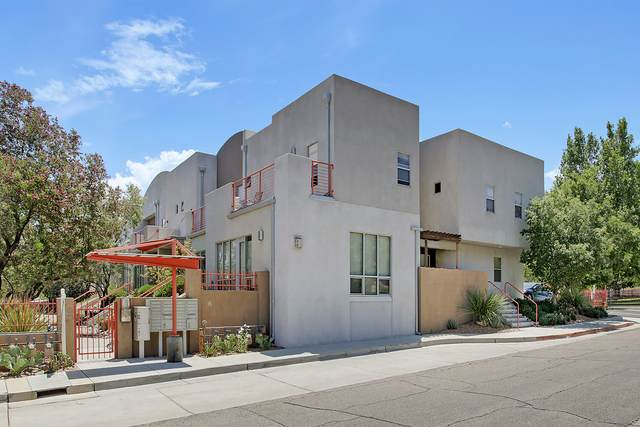 216 Aliso Drive SE, Albuquerque, NM 87108 (MLS #989770) :: Campbell & Campbell Real Estate Services