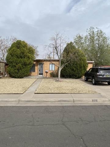 2814 Monroe Street NE, Albuquerque, NM 87110 (MLS #989810) :: Keller Williams Realty