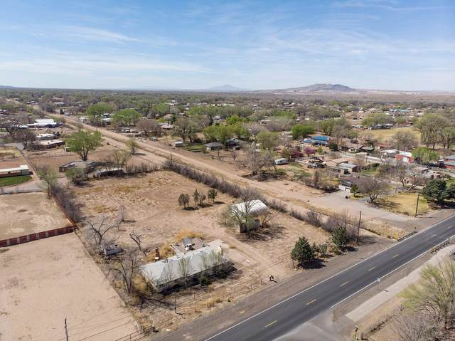 735 N Bosque Loop, Bosque Farms, NM 87068 (MLS #989827) :: Sandi Pressley Team