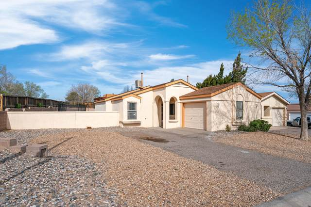 900 Charles Drive NE, Rio Rancho, NM 87144 (MLS #989847) :: Keller Williams Realty