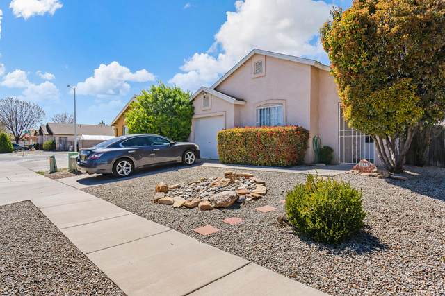 1523 Seven Falls Place SW, Albuquerque, NM 87121 (MLS #989879) :: Campbell & Campbell Real Estate Services