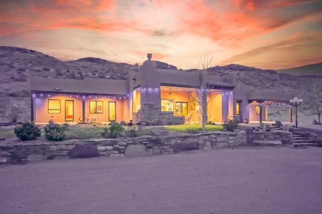 7805 Coors Boulevard SW, Albuquerque, NM 87121 (MLS #989927) :: The Buchman Group