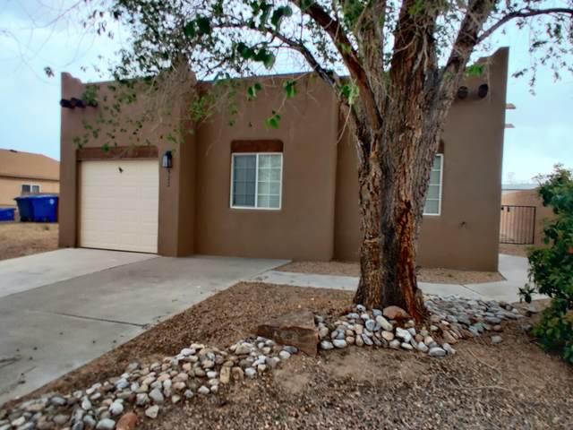8522 Zydecko Avenue SW, Albuquerque, NM 87121 (MLS #989970) :: Sandi Pressley Team