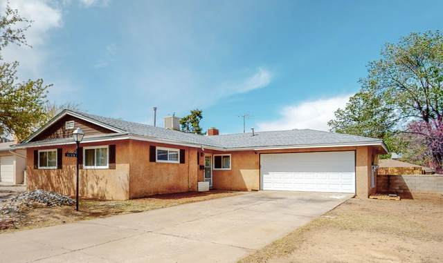 3125 Indiana Street NE, Albuquerque, NM 87110 (MLS #989985) :: Campbell & Campbell Real Estate Services