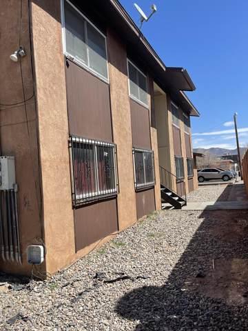 245 Charleston Street NE, Albuquerque, NM 87108 (MLS #990038) :: The Buchman Group