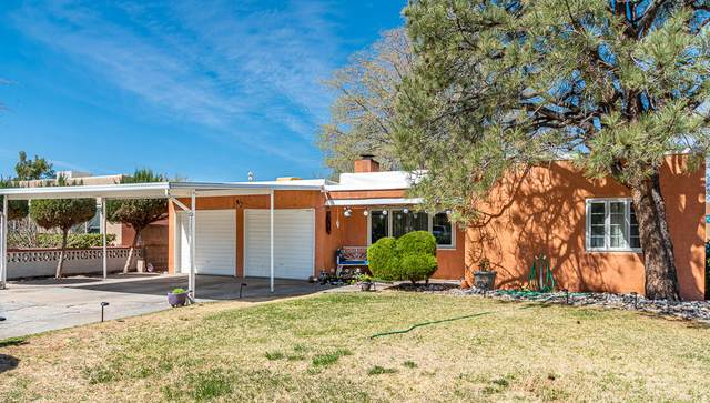721 Monroe Street NE, Albuquerque, NM 87110 (MLS #990122) :: Keller Williams Realty