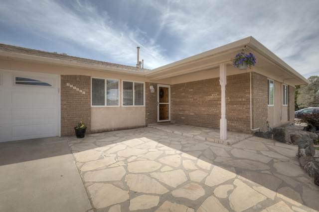 7540 Capulin Road NE, Albuquerque, NM 87109 (MLS #990167) :: The Buchman Group