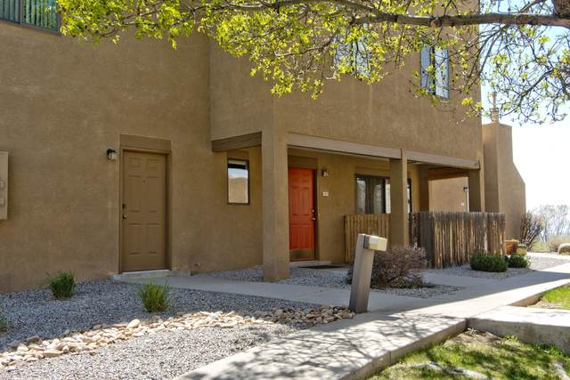 2900 Vista Del Rey NE 15C, Albuquerque, NM 87112 (MLS #990183) :: The Buchman Group