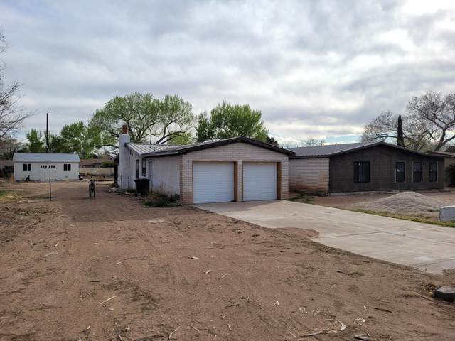 1016 Stuart Road NW, Albuquerque, NM 87114 (MLS #990310) :: The Buchman Group