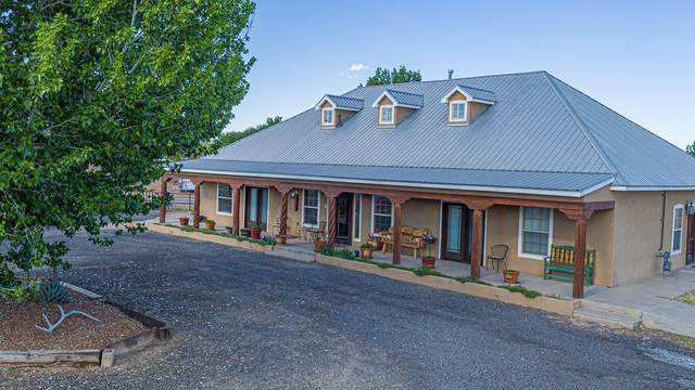 70 Shawn Lane SW, Los Lunas, NM 87031 (MLS #990916) :: Campbell & Campbell Real Estate Services