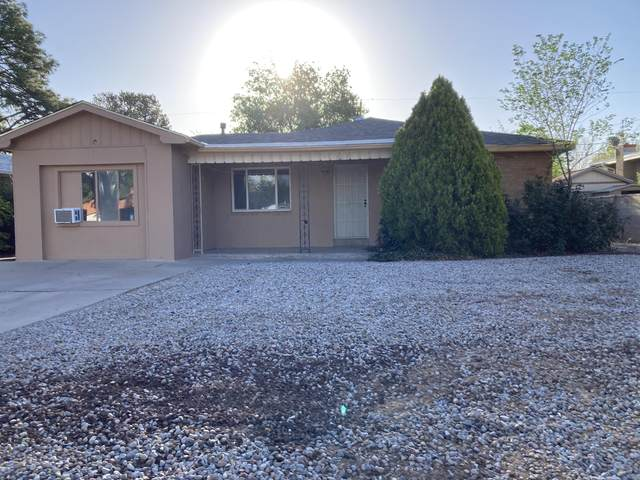 808 Adams Street NE, Albuquerque, NM 87110 (MLS #991075) :: Keller Williams Realty