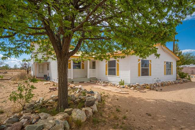 38 Campbell Court, Los Lunas, NM 87031 (MLS #991613) :: The Buchman Group