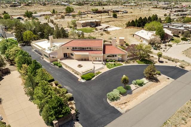 11406 Carmel Avenue NE, Albuquerque, NM 87122 (MLS #991615) :: Sandi Pressley Team