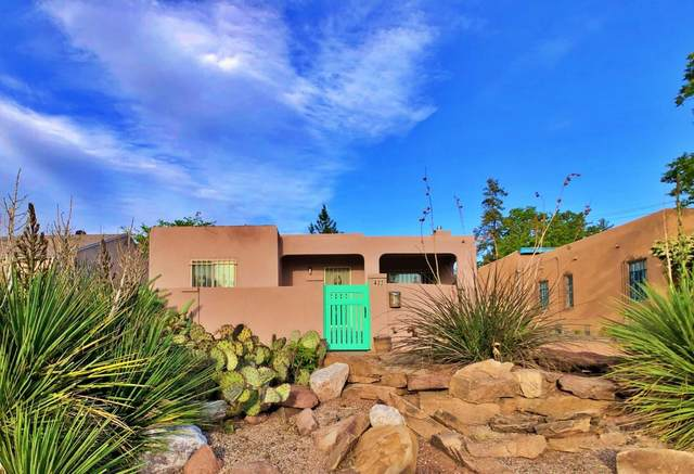 422 Carlisle Boulevard SE, Albuquerque, NM 87106 (MLS #991779) :: The Buchman Group