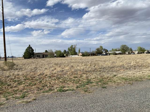 100-104 Link Avenue, Moriarty, NM 87035 (MLS #991790) :: The Buchman Group